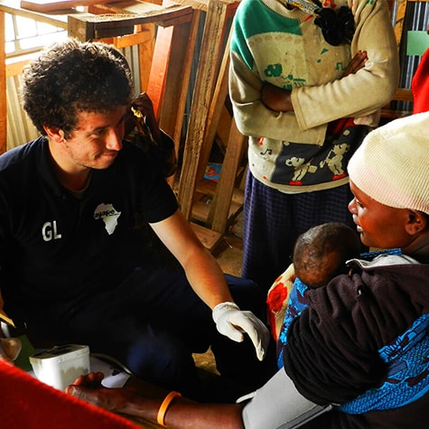 Volunteer Performing Medical Work in Tanzania