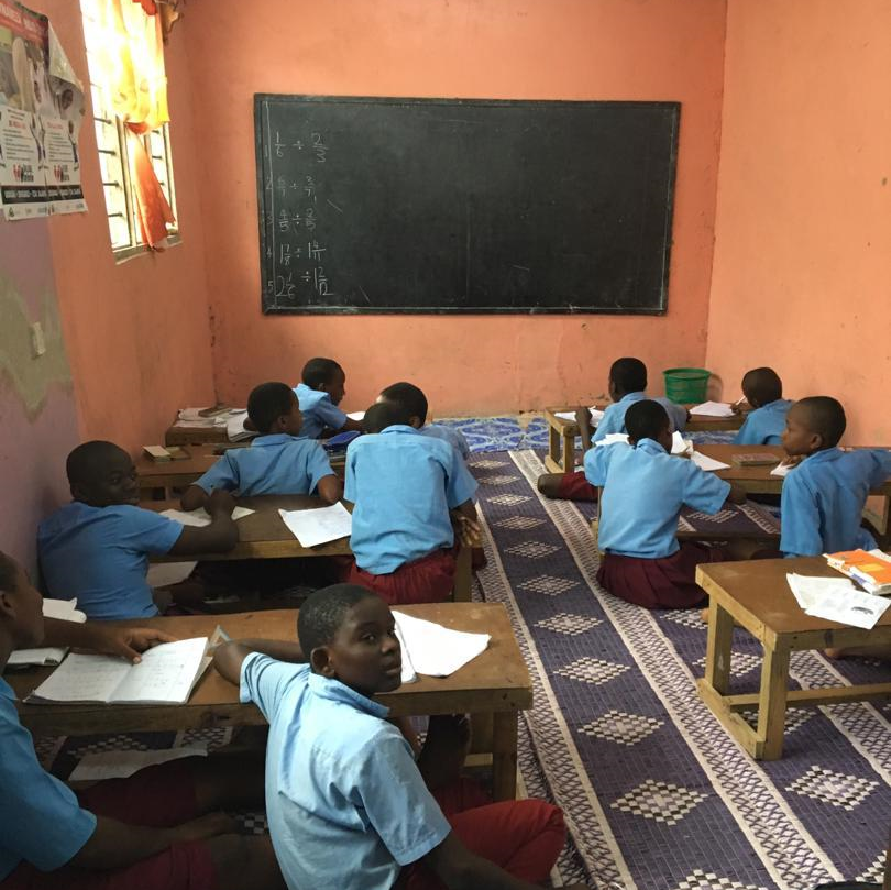 Tanzania classroom teaching volunteer