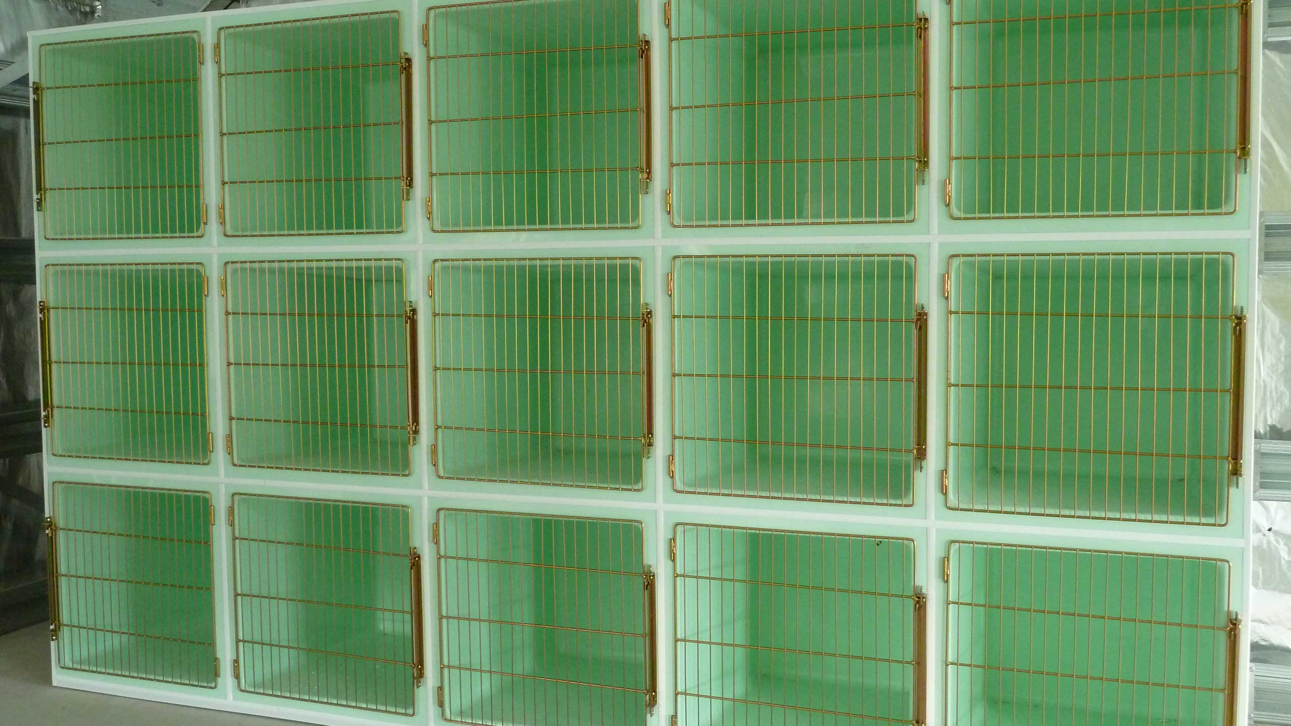 Creature Comfort Cages cage bank: 5 x 3 Cat Cages
